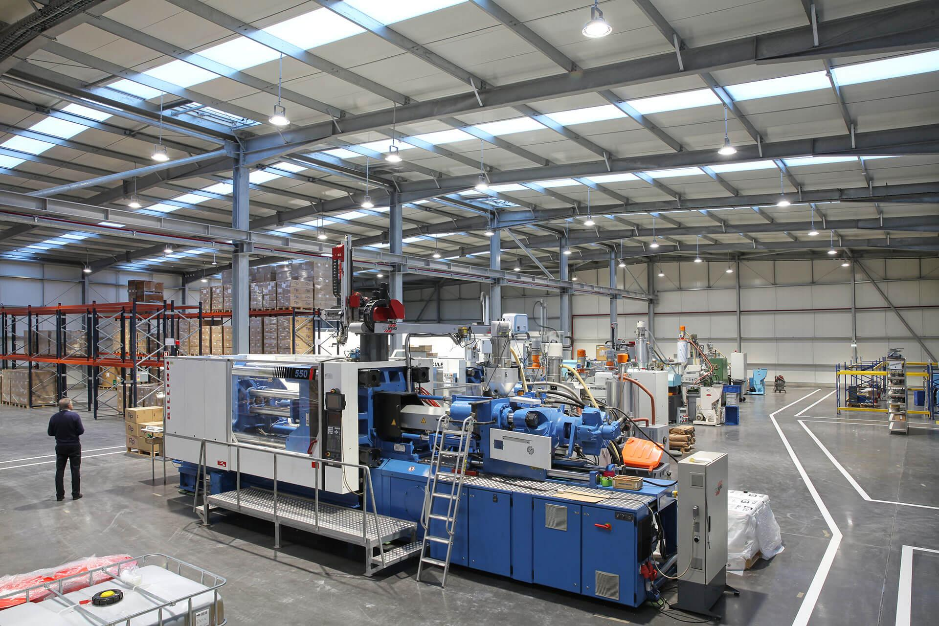 INDU BAY minimises operating costs while ensuring optimal working conditions for Plastifoz