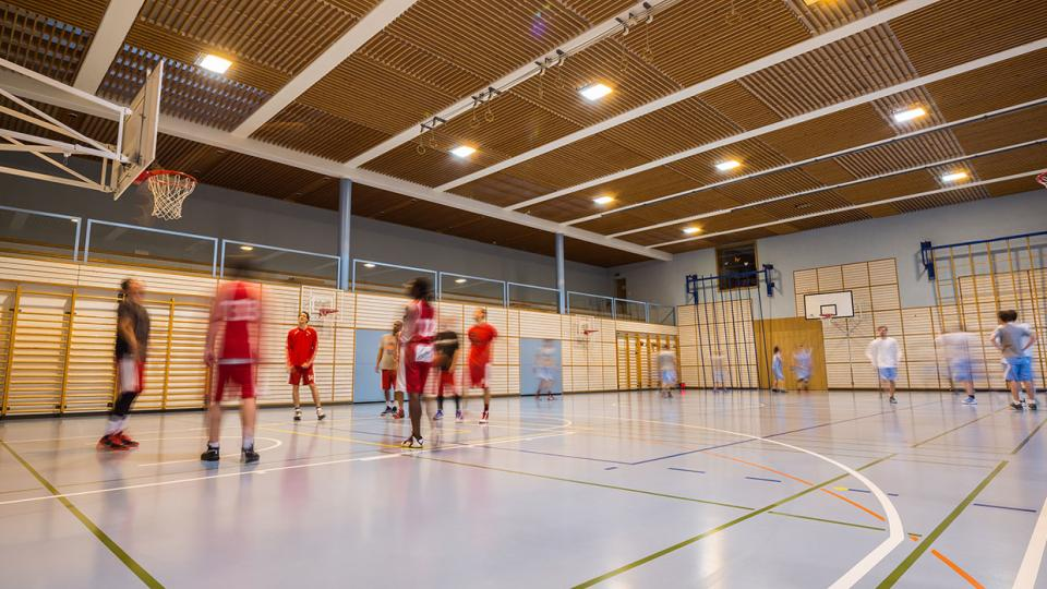 From multi-purpose sports halls to large stadia, Schréder has a full range of lighting solutions